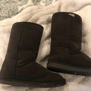 Bearpaw winter brown fleece lined boots